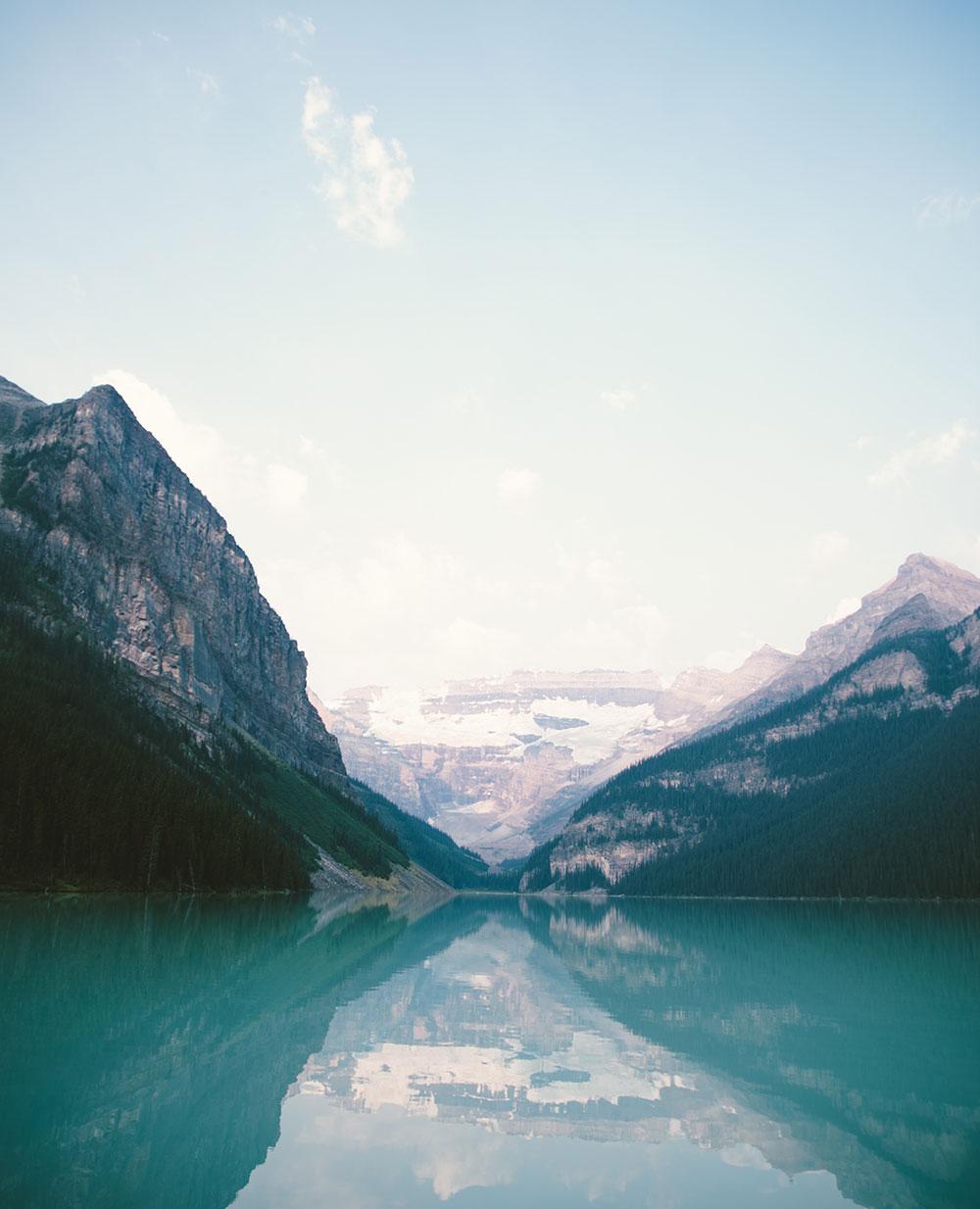 River vs Mountain